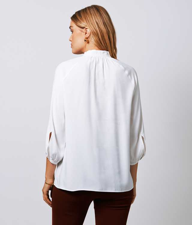 Mary Verona Vit  The Shirt Factory